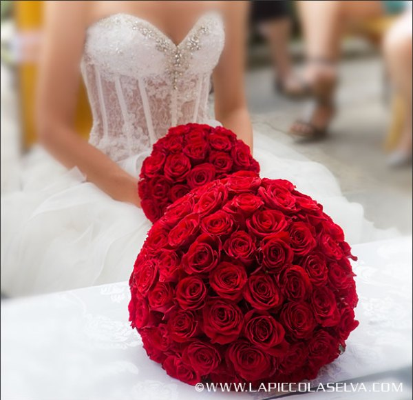 bouquet-sposa-rose-rosse