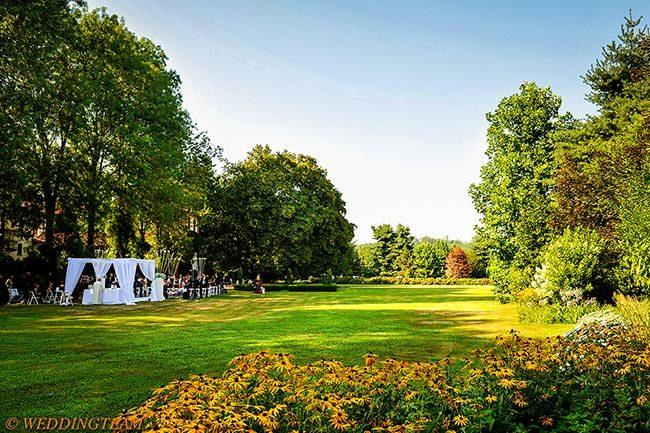 Cerimonia nel parco della Abbazia di Santo Spirito © foto WeddingTeam