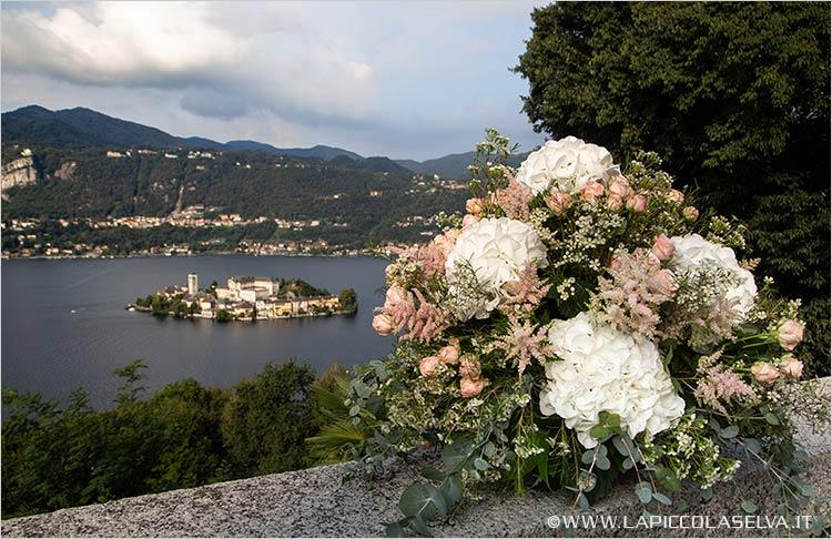 fiori-chiesa-sacro-monte-lago-orta
