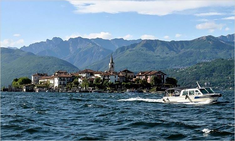 Matrimonio in motoscafo sul Lago Maggiore
