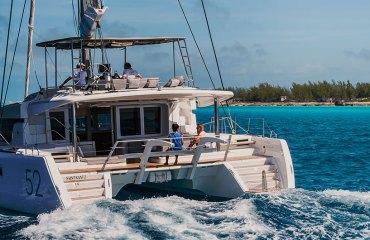 Lagoon 52 F FlyBridge sailboat sail boat sailyacht purjevene purje vene purjejahti Nicolas Claris vene jahti yacht boat catamaran katamaraani YachtsAgent kuva picture