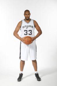 Signe aux Spurs en 2012