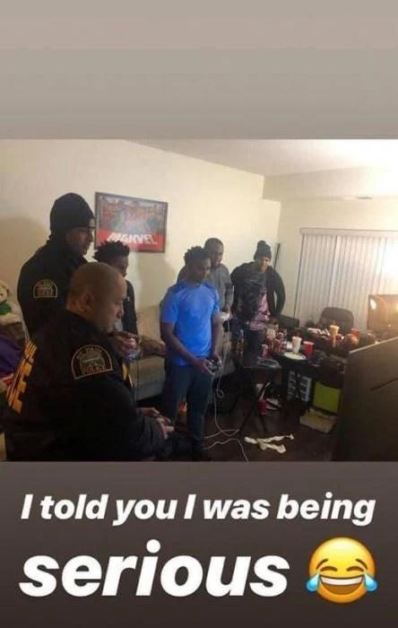 policías jugando