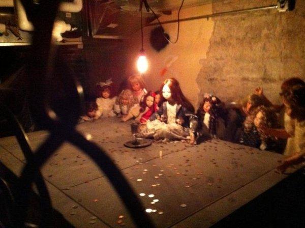 Cosas siniestras en casas viejas muñecas