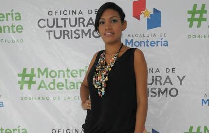Ana Maria Burgos representantes del barrio Cantaclaro sector El Paraiso, tiene 23 años, su estatura es de 1.62 cm, estudia Secretariado Ejecutivo.