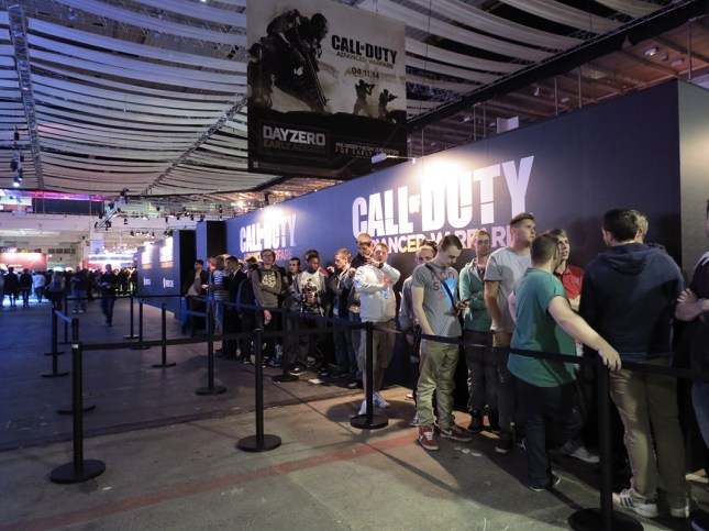La mansa fila para Call of Duty: Advanced Warfare