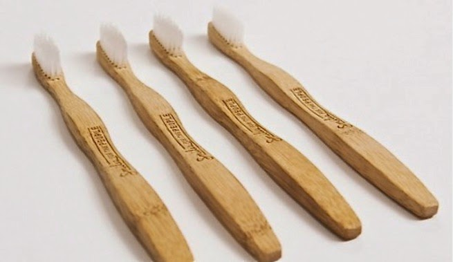 Cepillo de dientes de bambú
