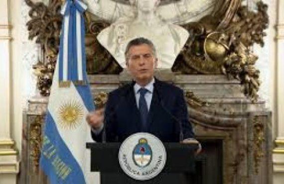 """Macri hace una """"autocrítica"""" antes de anunciar medidas de """"alivio"""" para la crisis post electoral"""