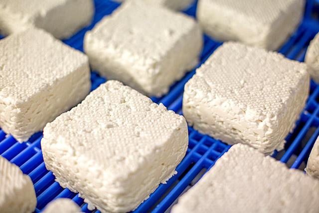 Le salage du fromage