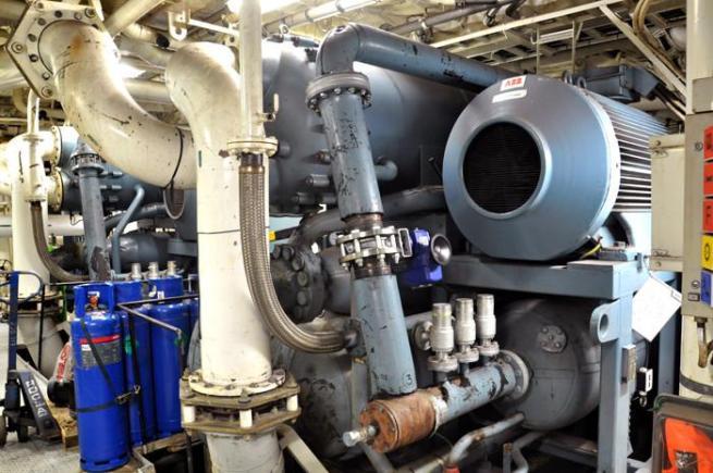 Ilmastointilaitteiston kompressori, 2kpl