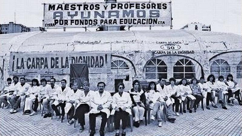 Resultado de imagen para IMAGENES DE LA CARPA BLANCA DOCENTE EN BUENOS AIRES