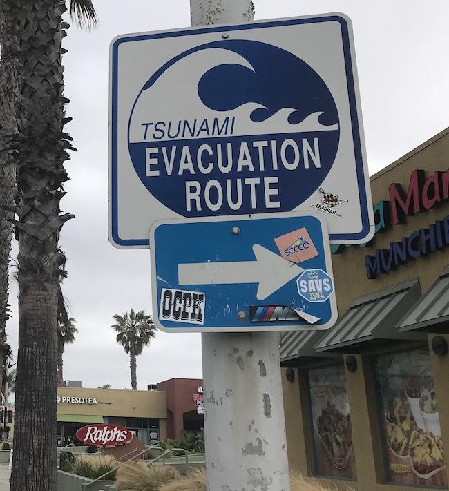 Tsunami evacuation sign on Mission Blvd