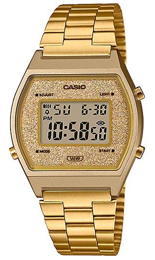Reloj Casio Vintage Dorado Mujer B640WGG-9EF con Multiple alarma, brazalete de acero inoxidable, iluminación de la pantalla mediante luz Led. La caja esta creada con resina y la pantalla hace un efecto destelleante con un juego de brillos en color Dorado. Dispone de Calendario automático, indicación en 12/24 horas, cierre ajustable y una resistencia al agua de 5 Atm. Las dimensiones del reloj son 38,9 mm x 35 mm x 9,9 mm (Al x An x Pr) y su peso de 49 gramos. Un reloj joven a la vez que resistente y ligero que podrá acompañarte haya donde vayas...
