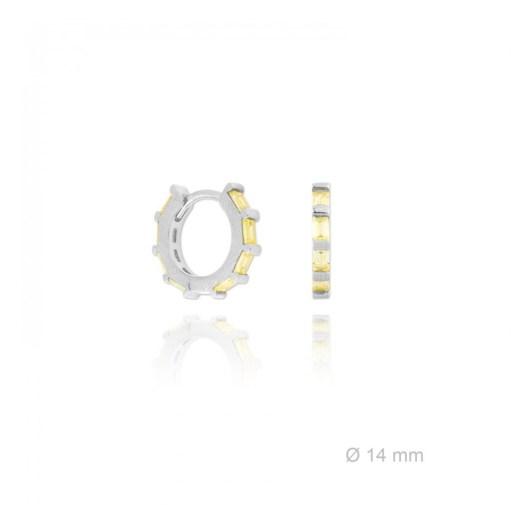 Aros Plata con Piedras NsP/152119 color Citrino Pendientes de plata cuajados de circonitas en color Citrino, talla baguette. Diámetro del pendiente 14 mm. Tipo de cierre Catalán con pestaña para su mayor comodidad y confort. El pendiente cuenta con una protección para que no se ensucie a la vez que ofrece una mayor intensidad en el brillo. Aros imprescindibles dentro de las infinitas combinaciones para tus outfits.