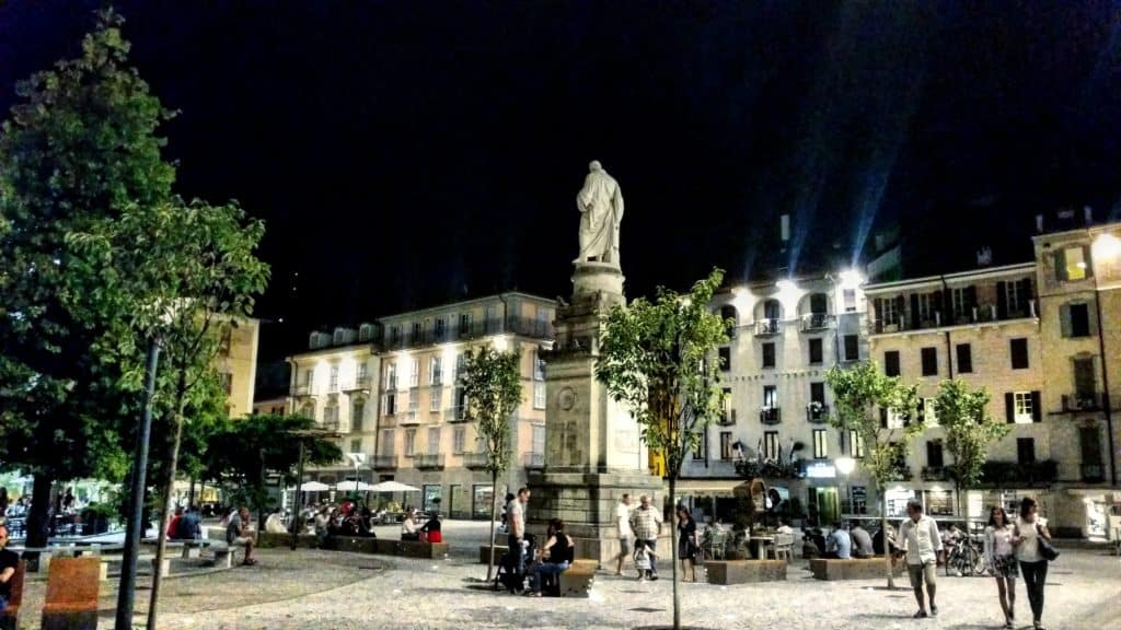 Como Town Tour at Night