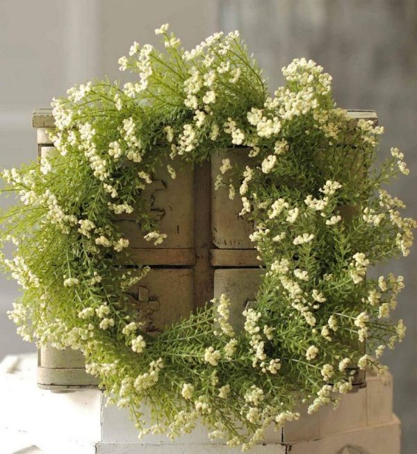 "Astilbe 16"" Wreath Cream"