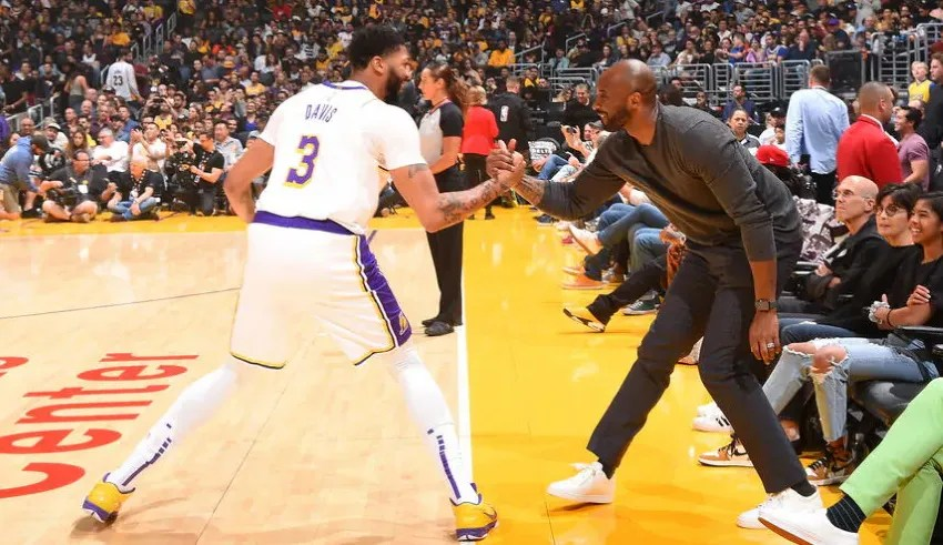 Anthony Davis and Kobe Bryant, Los Angeles Lakers vs Atlanta Hawks