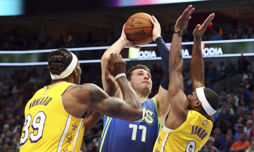 Dwight Howard, Luka Doncic and Rajon Rondo, Los Angeles Lakers vs Dallas Mavericks at the American Airlines Center