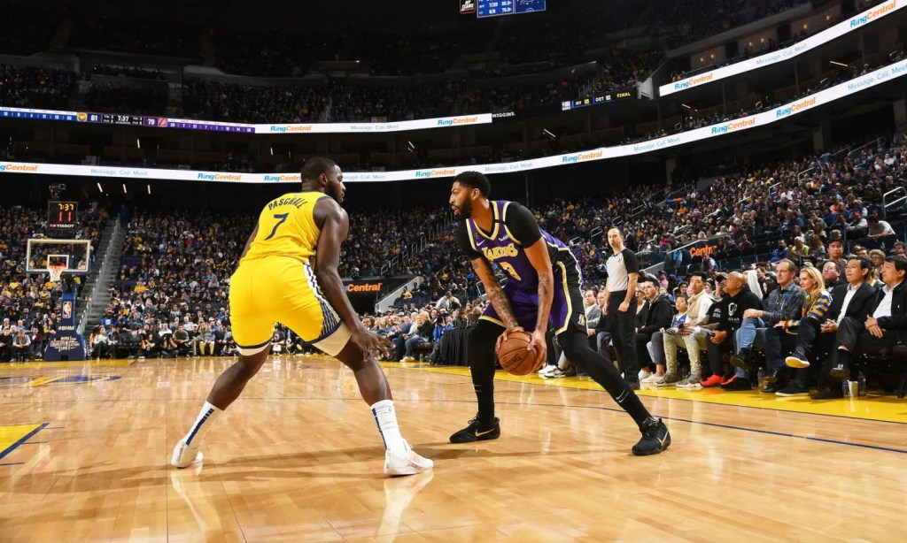 Anthony Davis, Los Angeles Lakers vs Golden State Warriors at Chase Center