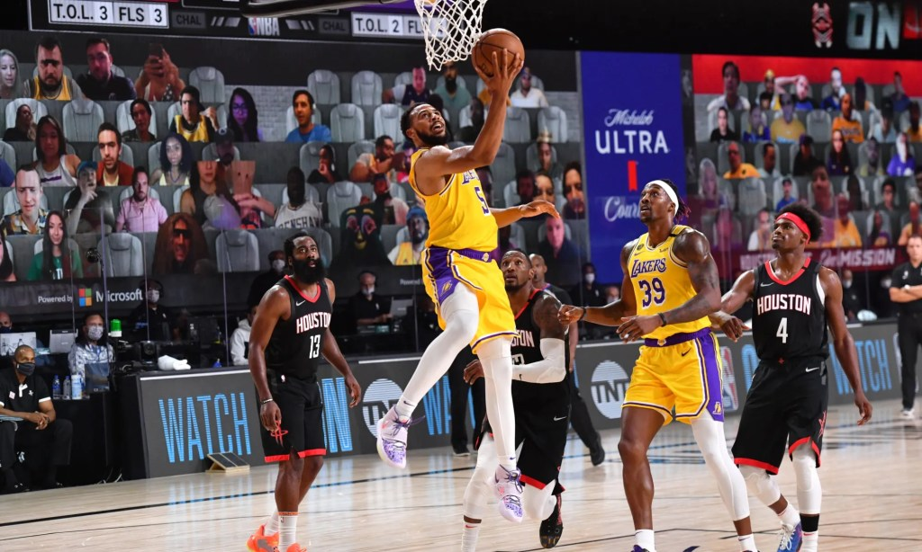 Talen Horton-Tucker #5 of the Los Angeles Lakers shoots the ball against the Houston Rockets on August 6, 2020