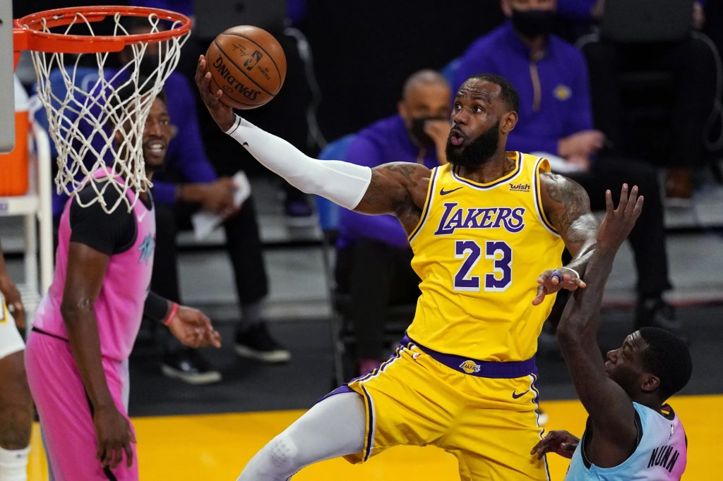 LeBron James, Los Angeles Lakers vs Miami Heat