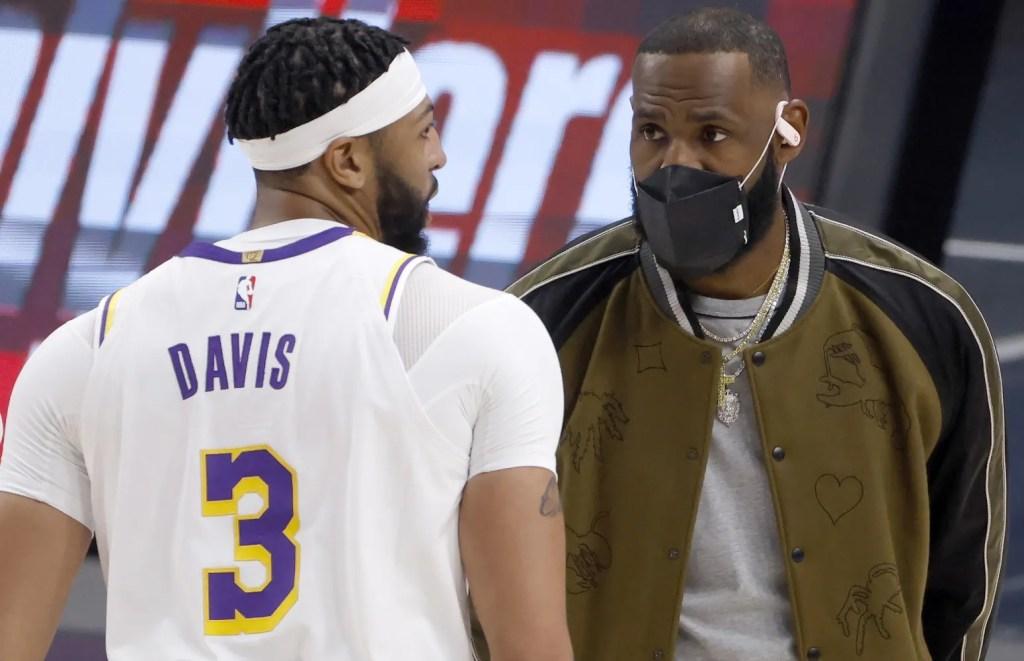 Anthony Davis and LeBron James, Los Angeles Lakers vs Dallas Mavericks