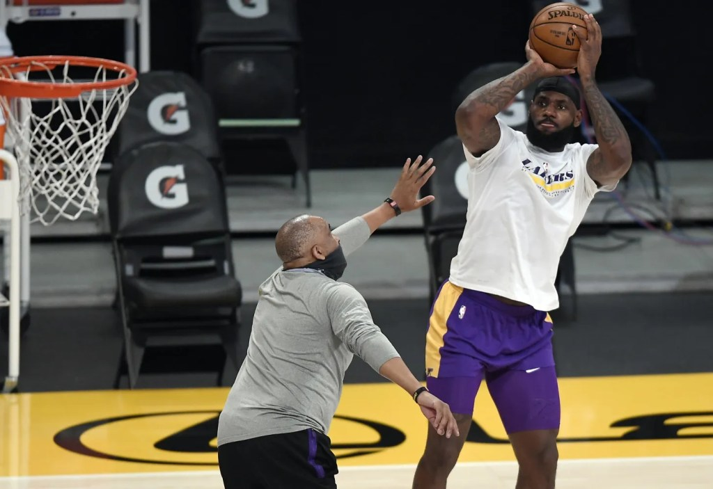 LeBron James, Los Angeles Lakers vs Sacramento Kings