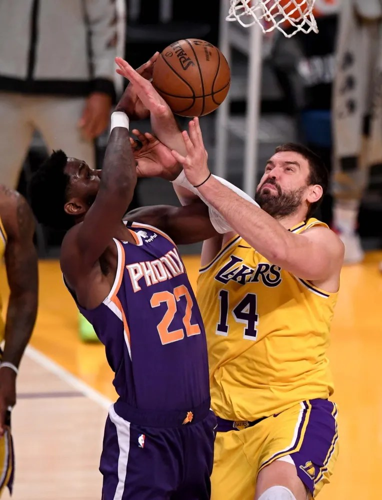 Deandre Ayton and Marc Gasol, Los Angeles Lakers vs Phoenix Suns