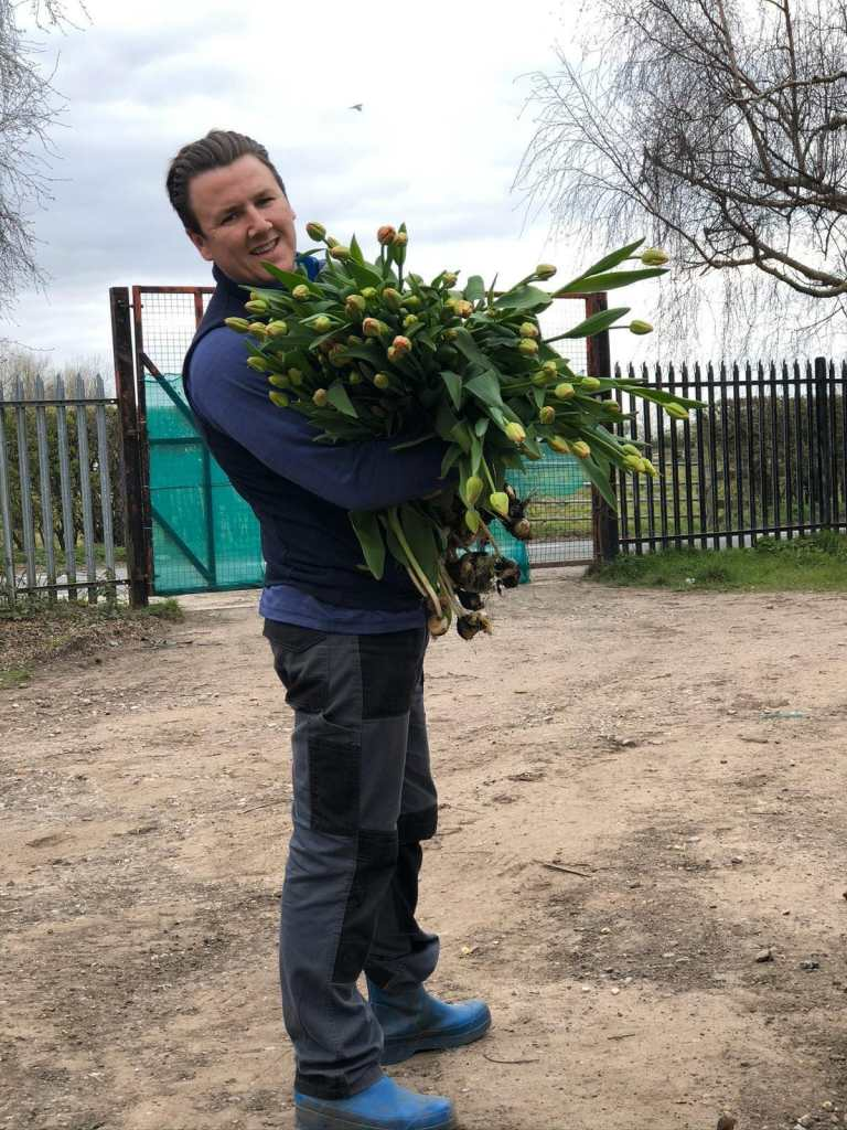 SUPPORTING YOUR LOCAL FLOWER FARM | LAKES&RIVERS FLOWER FARM5