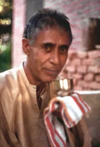 721035_SwamijiWithTea