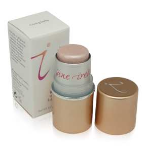 Jane Iredale In Touch Highlighter is a perfect choice for summer