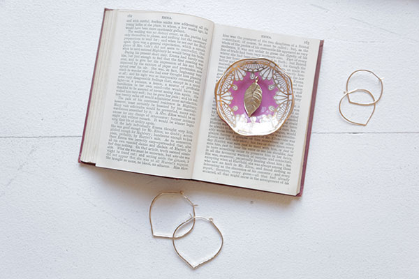 ija designs earings via la la lovely