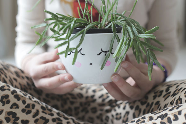 DIY planter via la la lovely