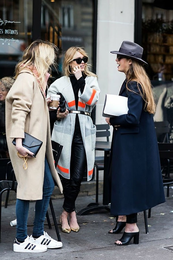 girls-in-killer-coats