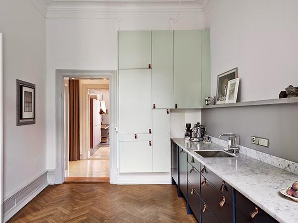 la-la-loving-green-kitchen-cabinets