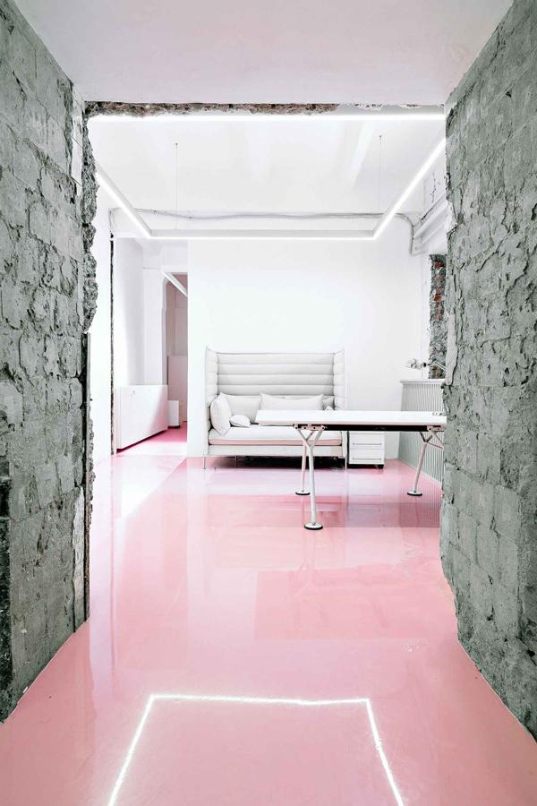 pink floor trend via la la lovely