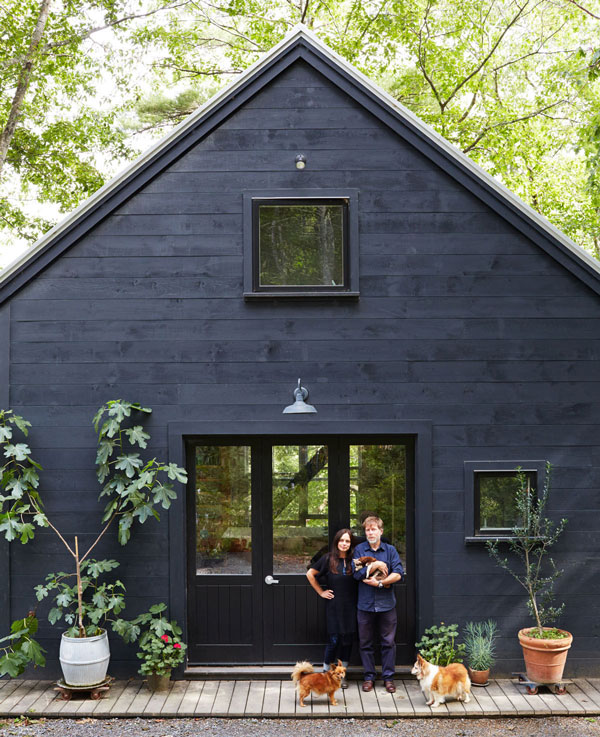 Black Exterior via La La Lovely Blog