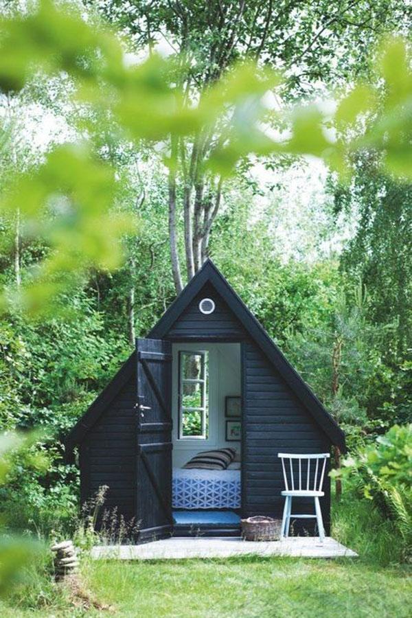 Little black Cottage via La La Lovely