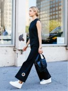 black-cropped-jupmsuit-blal-jumpsuit-evening-to-day-dressing-night-to-day-dressing-white-sneakers-high-tops-grommet-fringe-bag-look-de-pernille