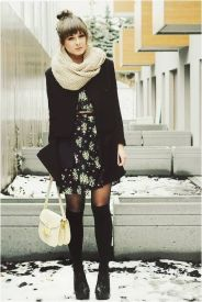 beige-infinity-scarf