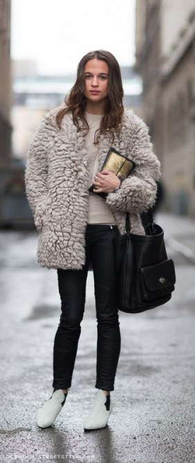 white_boots_street_style