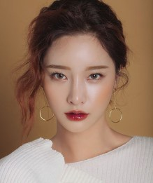 korean makeup look 1