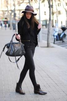 cowboy-boots-skinny-jeans-zara-black-jumper