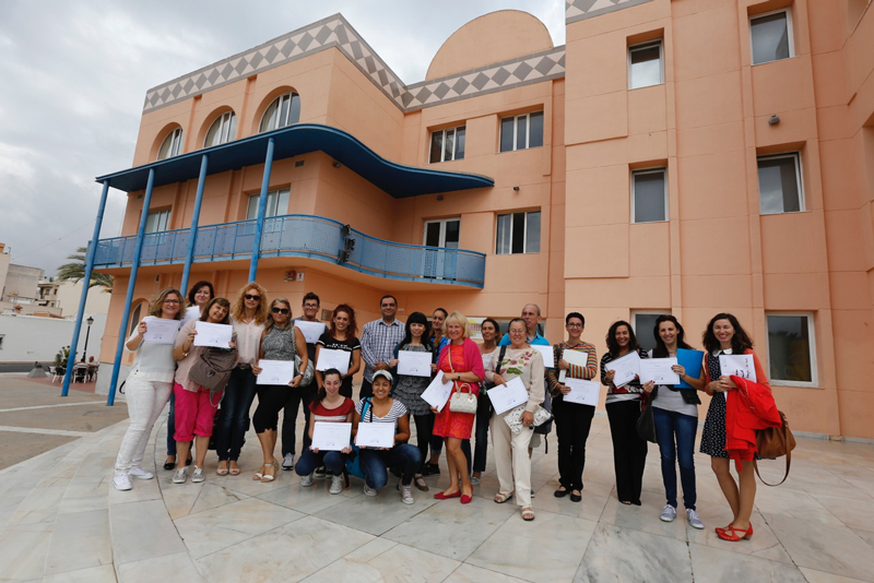 Concluyen los cursos de inglés conversación con la entrega de diplomas