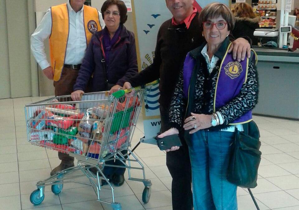 El Club de Leones de l'Alfàs del Pi destina 500 euros a la compra de productos para el Banco de Alimentos