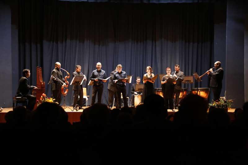 Más de 200 personas asisten al concierto ofrecido por Lucentum XVI y Música Estremada con motivo de Mozartmanía 2015
