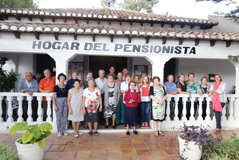 El Hogar del Pensionista de L'Alfàs celebra el Día Internacional dedicado a los mayores