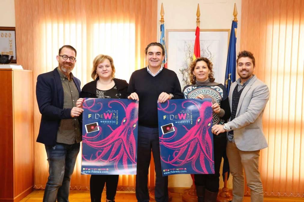 El Ayuntamiento de l'Alfàs del Pi presenta el cartel del segundo FIDEWÀ