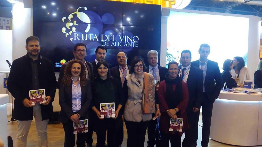 L'Alfàs del Pi participa en la presentación de la Ruta del Vino de Alicante en Fitur.