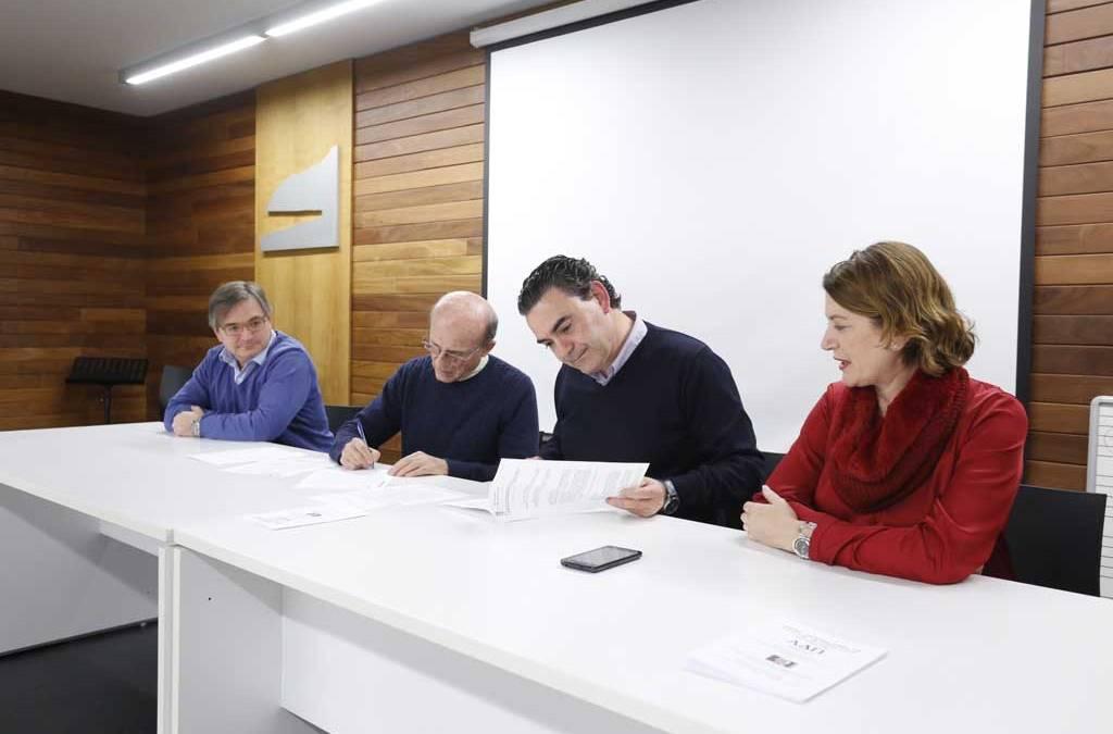 """L'Alfàs renueva el convenio de colaboración con la Asociación """"Expedición Juita"""" Marina Baixa"""